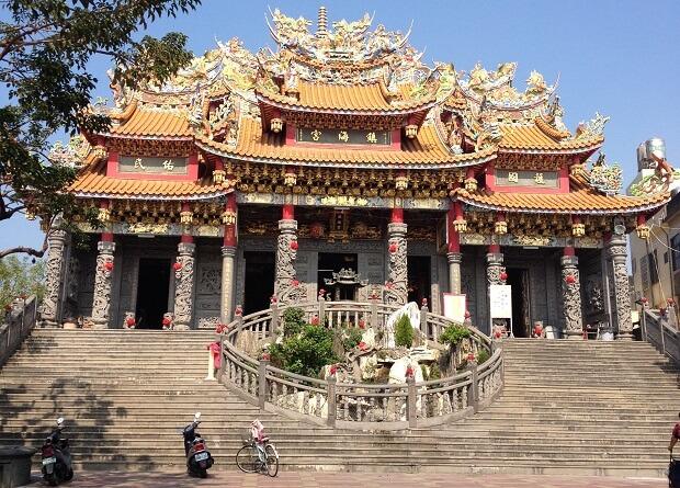 台湾の南国フルーツ&高雄85ビル展望台へ