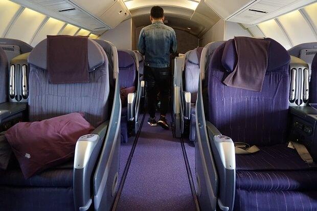 タイ国際航空ボーイング747ビジネスクラス2階席に搭乗した話