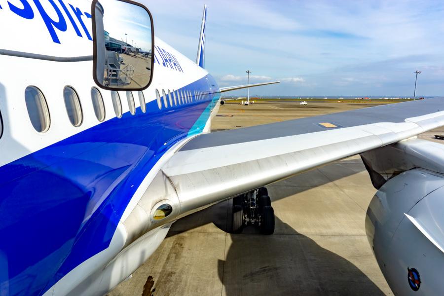 ANA飛行機で羽田から伊丹へ